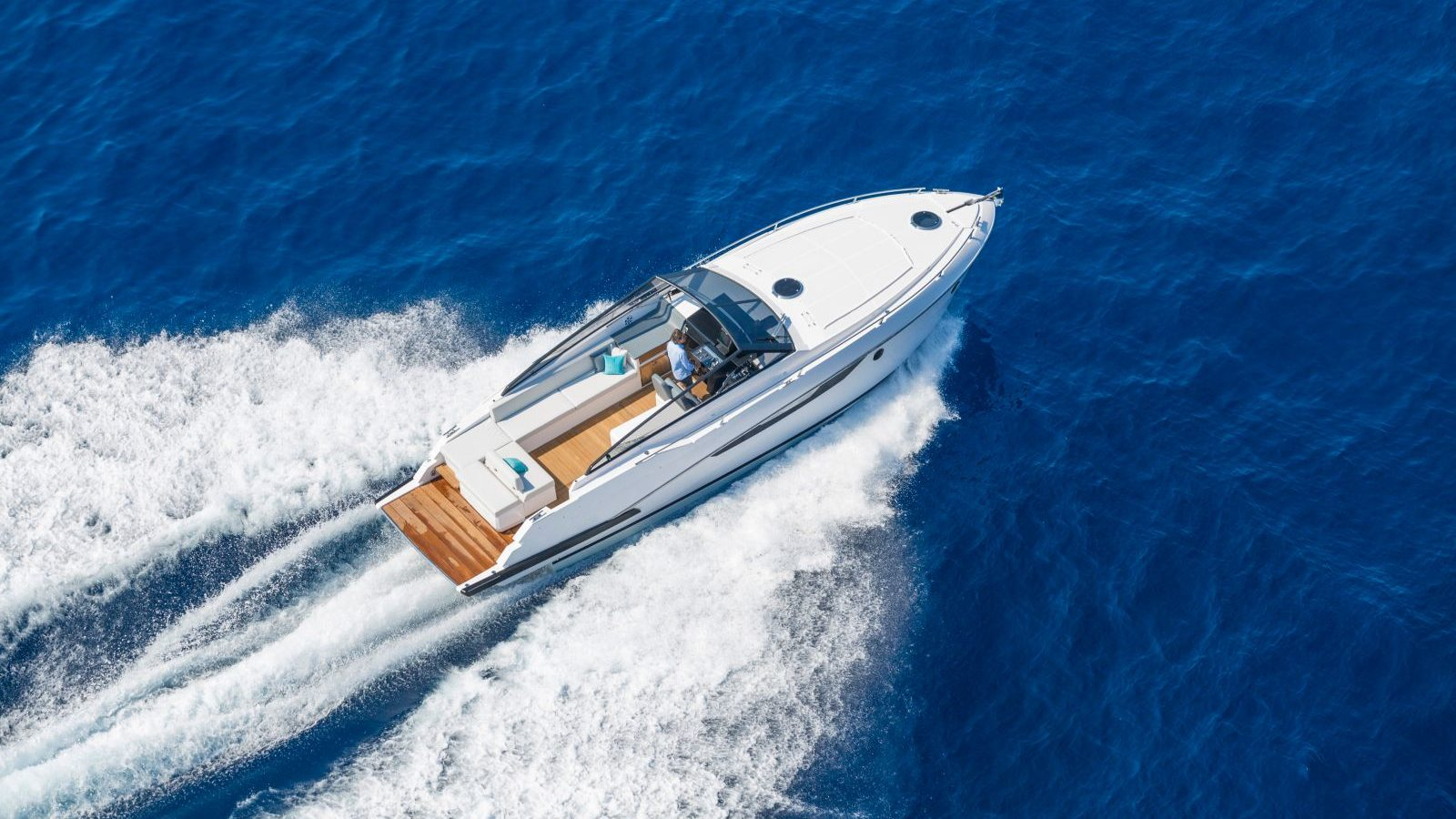 Watersports_Speedboat